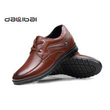 Bom preço pequeno MOQ homens marrom ação sapatos de couro genuíno para homens