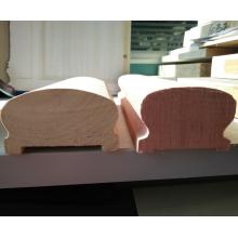 Balustraden aus hartem Holz