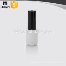garrafa redonda branca do verniz para as unhas do vidro para o verniz para as unhas