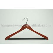 93-23179 Wooden Suit Hanger