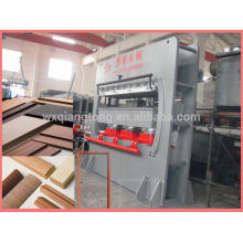 Machine à mouler en bois / cadre de porte machine à presser à chaud