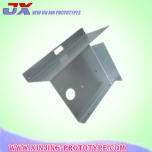 Le métal formant l'emboutissage recourbant coupant les pièces de tôle de service de usinage