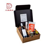 O costume imprimiu a caixa de empacotamento do presente ondulado do papel de vinho do casamento