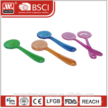 batedor de salada plástico