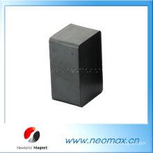 Ceramic (Ferrite) block permanent magnet
