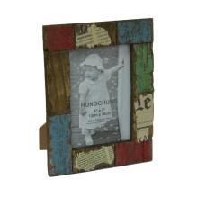 Moldura de foto antiga feita em madeira para decoração de casa