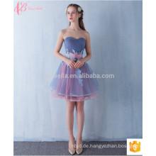 Voguish Short Off-Schulter Verkauf Appliqued Brautjungfer Kleid mit einem Bund