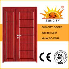 Diseño interior de la puerta principal de madera