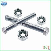 Attaches de matériel sur mesure en acier vis pièces