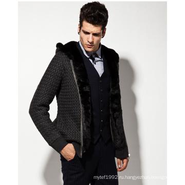 Вязаный свитер с капюшоном из шерсти с капюшоном