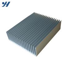 Usine d'alimentation haute résistance CNC usinage en aluminium anodisé radiateur plat