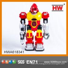 Самая популярная пластмассовая игрушка робота с батарейками для детей