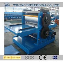 Machine de formage de rouleaux de gaufrage de tôle d'acier colorée