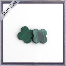 Pierre de malachite naturelle à deux formes vertes et à dos plat