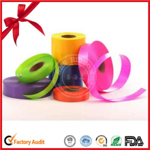 Rollo de cinta de regalo de manualidades para decoración
