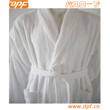 Sete vestuário com capuz POM POM Plush Robe, branco angelical
