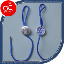 Customed Garment Plastic Hang Tag in Low Price