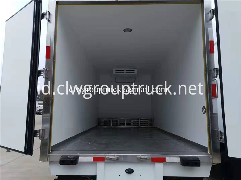 Refrigerated Truck 7