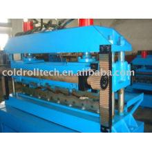 Telha de aço colorida dá forma à máquina
