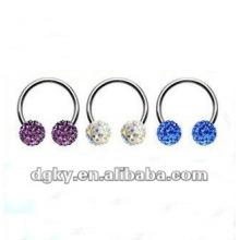 O anel prendido da sobrancelha dos anéis do grânulo prisioneiro do diamante quente da venda