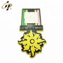 Bulk item custom metal gold enamel flower badge pins