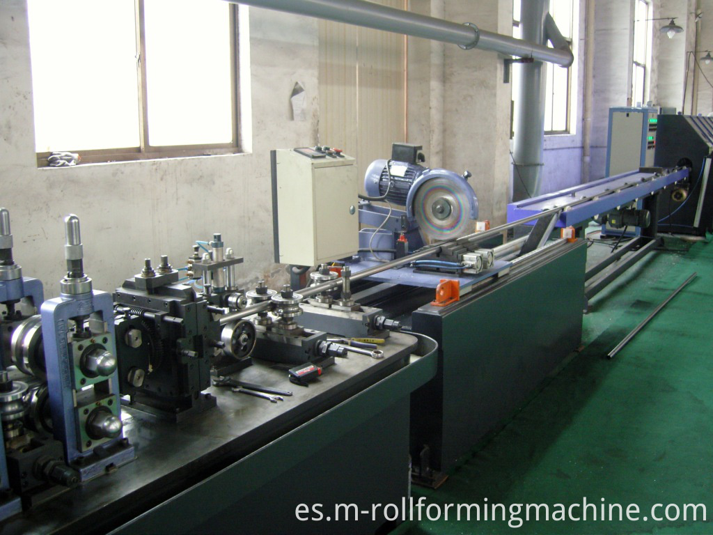 machines to make stainless pipe tubes