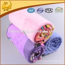 2015 Productos populares de la promoción de la venta Diseño popular y encantador Flanela 100% del algodón Mantas cepilladas