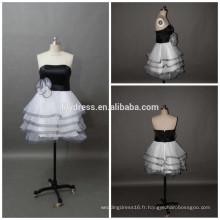 Sweetheart Necklline Custom Made Short Mini Designs Vêtements de soirée ED083 Robe de cocktail en noir et blanc
