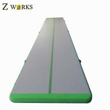 Tapis flottant d'air gonflable d'Arcadia utilisé pour la formation de gymnastique