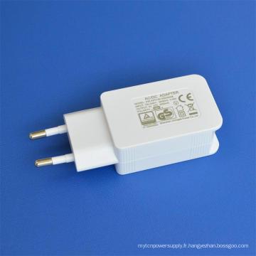 Adaptateur secteur USB blanc 5V2000mA dans le chargeur