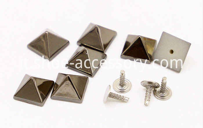ABS Pyramid Studs in Black Nickel