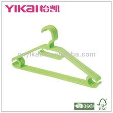 Ensemble de cintres en plastique de 5 pcs avec étagère à barres et un crochet pivotant