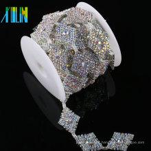 Accesorio de la ropa de moda del proveedor de China Accesorio de la cadena del diamante artificial del Applique cristalino decorativo