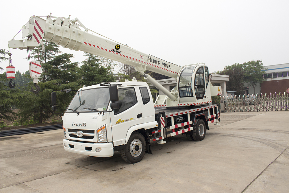 12t all-terrain truck with crane