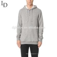 Sweatshirt confortable à capuchon avec tempérament