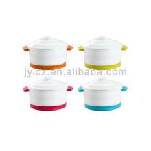 cazuela de cerámica con tapa