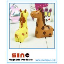 Mini Kiss Giraffe Magnet /Resin Crafts Decoration/Vehicle Gift
