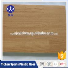 Uso de pisos de espuma de PVC de padrão de madeira em residências ou quadras de esportes