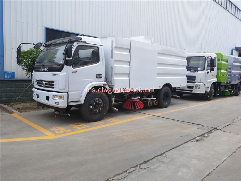 Dongfeng LHD Truck Road Sweeping Vehicle For Sale