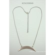 Retro Semi-Circle Necklace with Metal