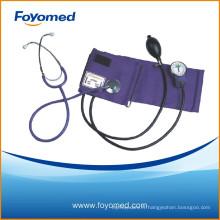 Sphygmomanomètre anéroïde de bonne qualité avec stéthoscope à tête unique attaché
