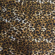 Tela con estampado Winston y estampado de leopardo