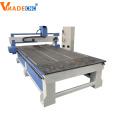 CNC-Fräser zum Schneiden von Holzschnitzmaschinen