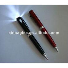 stylo à bille en plastique avec la lumière