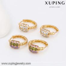 91577-Xuping Fancy design torsion boucle d'oreille modèle pour femme
