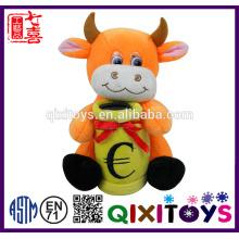 Cofrinho de plush personalizado em forma de vaca