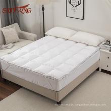 Para baixo enchimento da pena macio e quente colchão impermeável / capa de colchão anti poeira & pad