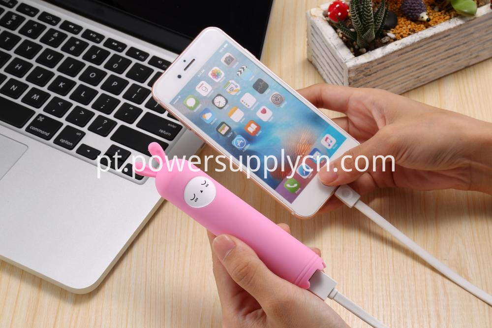 Lovely Silicone Cartoon Design Promotion Gift Power Bank 2200mah 2400mah 2600mah