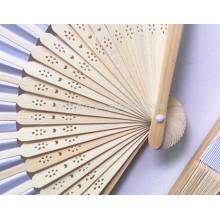 Folk art cadeaux promotionnels pliant ventilateur à main en bambou, ventilateur en bois