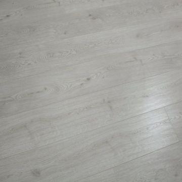 12.3mm AC3 HDF Synchronized Laminate Flooring